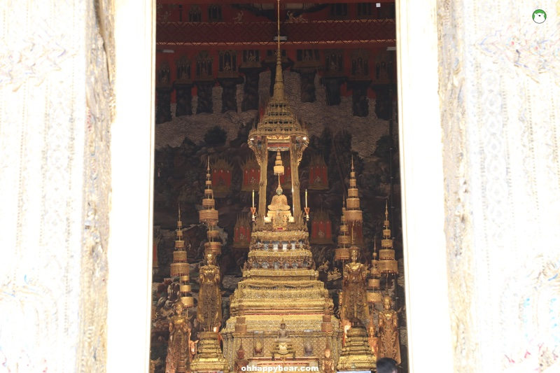 http://www.ohhappybear.com/wp-content/uploads/2019/01/Temple-of-Emerald-Buddha-3.jpg